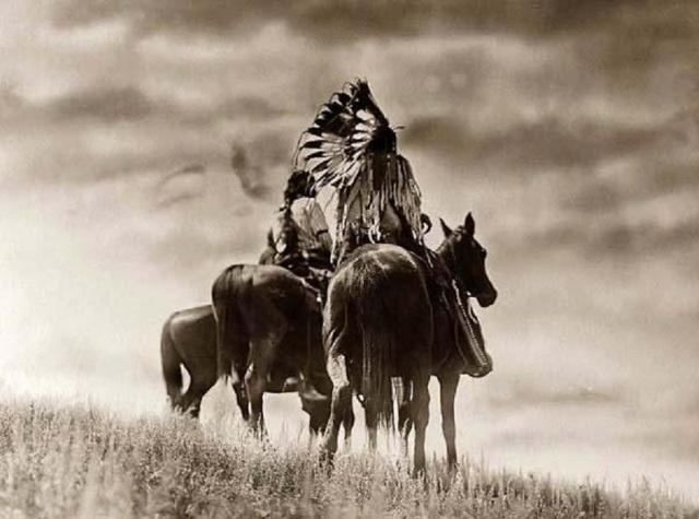 Cheyenne-Indians_Horseback