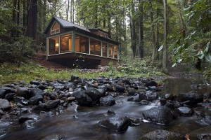 cabana-in-padure