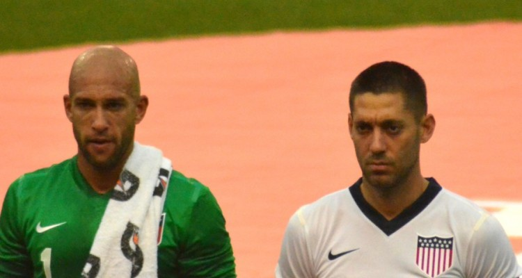 Tim_Howard_and_Clint_Dempsey_vs_Belgium-900x480