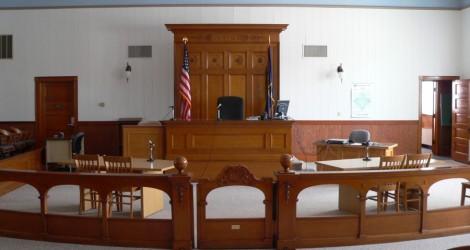 Wayne_County_Courthouse_Nebraska_courtroom_1-900x480